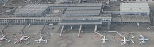 By RaeBoe [1] (crop of File:Stuttgart flughafen 01.jpg) [CC BY-SA 3.0], via Wikimedia Commons
