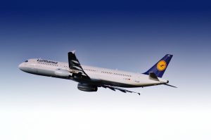 Lufthansa am Flughafen Dubai