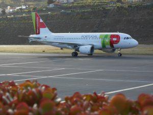 TAP Air Portugal am Flughafen Stuttgart