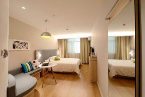 Hotels am Flughafen Pristina